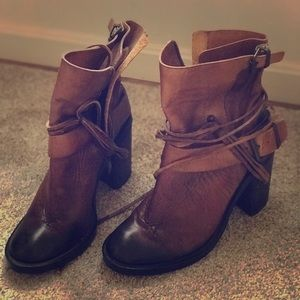 """Gorgeous 4"""" Vince Camuto leather boot"""